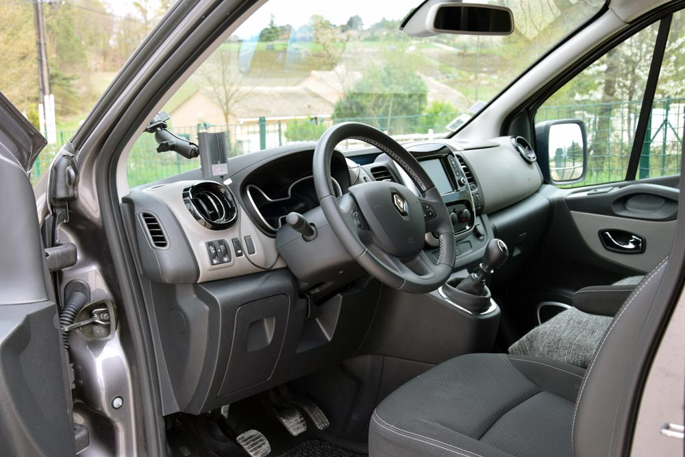 renault-trafic-3-agora-taxis